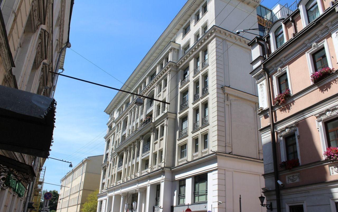 Продажа трёхкомнатной квартиры Москва, метро Курская, Казарменный переулок 3, цена 128000000 рублей, 2021 год объявление №77052 на megabaz.ru