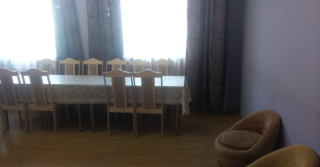 Аренда дома поселок городского типа Нахабино, Заводская улица 6, цена 18000 рублей, 2021 год объявление №460243 на megabaz.ru