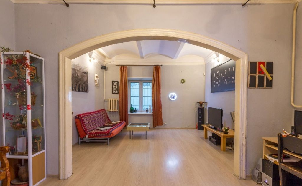 Купить трёхкомнатную квартиру в Москве у метро Кузнецкий мост - megabaz.ru