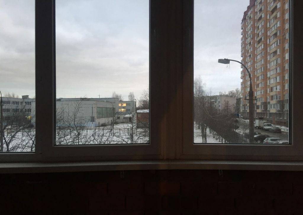 Продажа двухкомнатной квартиры поселок городского типа Октябрьский, улица Текстильщиков 7А, цена 5950000 рублей, 2021 год объявление №106637 на megabaz.ru