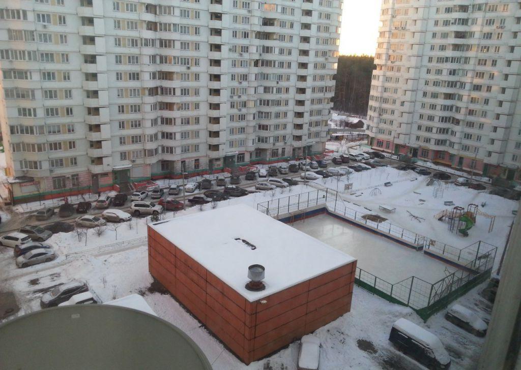 Продажа однокомнатной квартиры поселок городского типа Октябрьский, улица 60 лет Победы 3, цена 3750000 рублей, 2021 год объявление №124157 на megabaz.ru