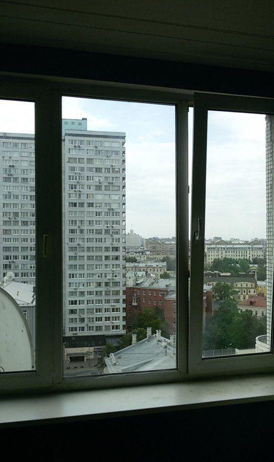 Аренда однокомнатной квартиры Москва, метро Арбатская, улица Новый Арбат 10, цена 55000 рублей, 2021 год объявление №769424 на megabaz.ru