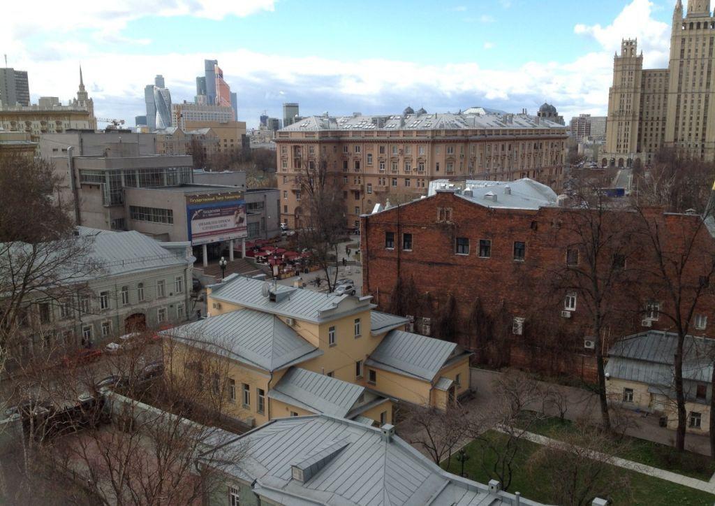 Продажа трёхкомнатной квартиры Москва, метро Баррикадная, Большая Никитская улица 49, цена 34697400 рублей, 2021 год объявление №151176 на megabaz.ru