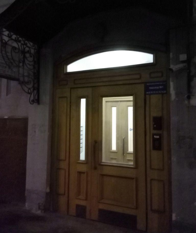 Продажа четырёхкомнатной квартиры Москва, метро Кузнецкий мост, Варсонофьевский переулок 4с1, цена 42470000 рублей, 2020 год объявление №215257 на megabaz.ru