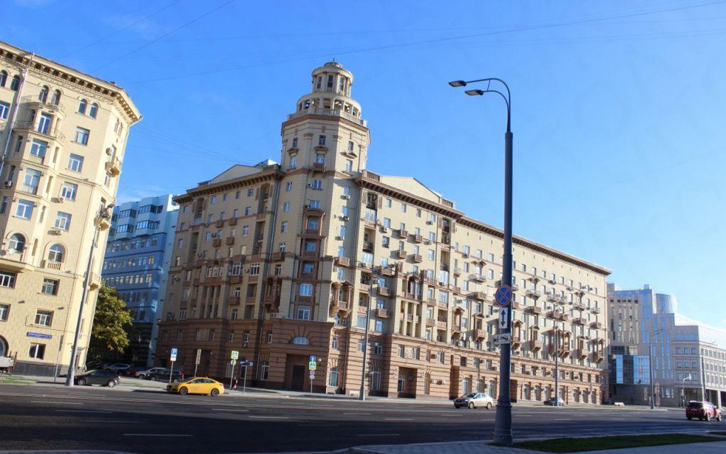 Продажа пятикомнатной квартиры Москва, метро Сухаревская, Малая Сухаревская площадь, цена 50000000 рублей, 2021 год объявление №201624 на megabaz.ru