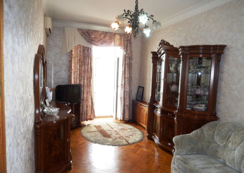 Купить трёхкомнатную квартиру в Москве у метро Киевская - megabaz.ru