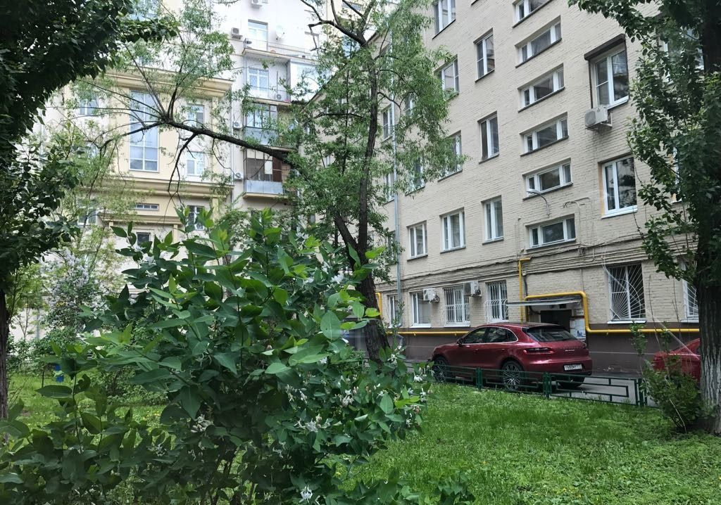 Продажа трёхкомнатной квартиры Москва, метро Тверская, Малый Патриарший переулок 5с2, цена 28900000 рублей, 2021 год объявление №192298 на megabaz.ru