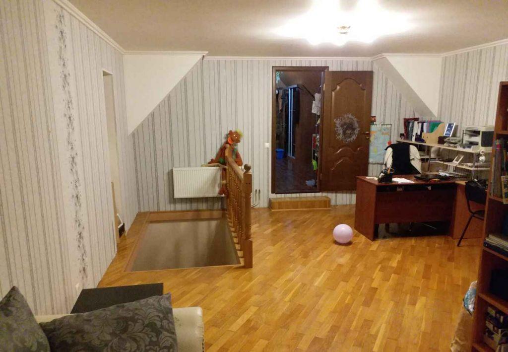 Аренда дома поселок городского типа Малаховка, цена 60000 рублей, 2020 год объявление №781413 на megabaz.ru