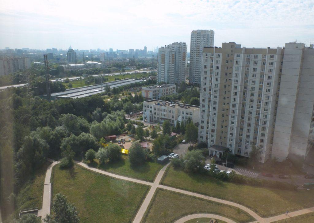 Купить трёхкомнатную квартиру в Москве у метро Волоколамская - megabaz.ru