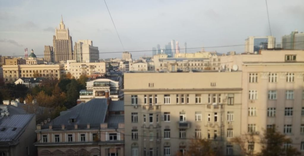 Аренда однокомнатной квартиры Москва, метро Арбатская, Староконюшенный переулок 30, цена 65000 рублей, 2021 год объявление №791001 на megabaz.ru