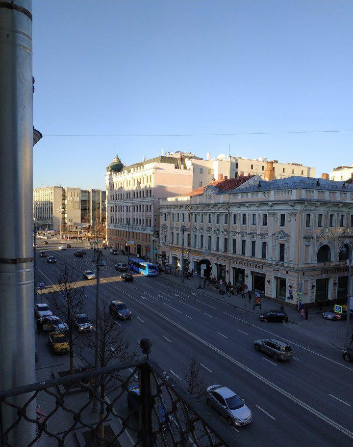 Аренда трёхкомнатной квартиры Москва, метро Тверская, Тверская улица 17, цена 150000 рублей, 2021 год объявление №801655 на megabaz.ru
