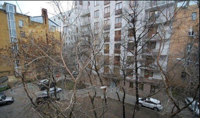 Аренда двухкомнатной квартиры Москва, метро Тверская, Козицкий переулок 1А, цена 100000 рублей, 2021 год объявление №805765 на megabaz.ru