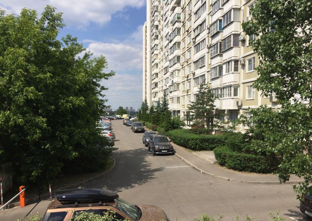 Купить трёхкомнатную квартиру в Москве у метро Крылатское - megabaz.ru