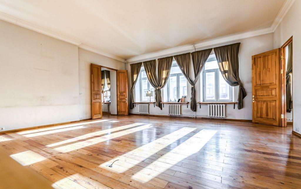 Купить четырёхкомнатную квартиру в Москве у метро Чеховская - megabaz.ru