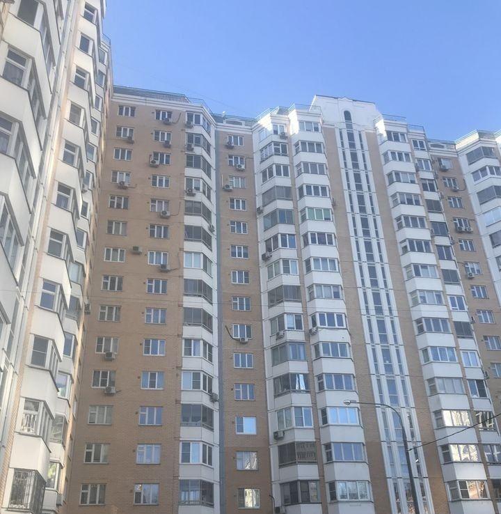 Продажа двухкомнатной квартиры Москва, метро Фили, Береговой проезд 7, цена 11700000 рублей, 2021 год объявление №255954 на megabaz.ru
