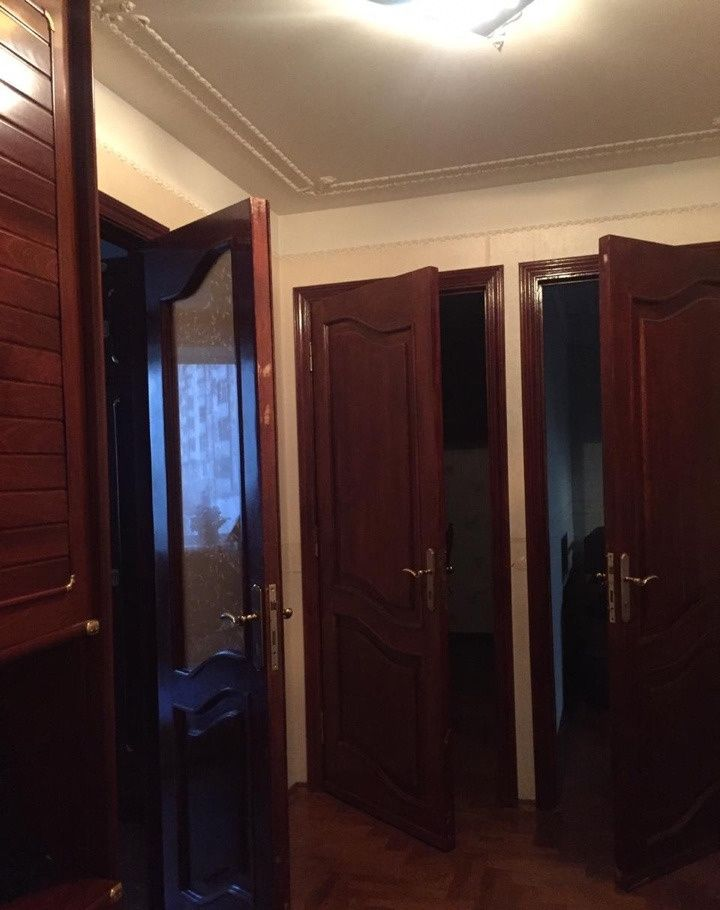 Аренда трёхкомнатной квартиры Москва, метро Пятницкое шоссе, Ангелов переулок 13, цена 50000 рублей, 2021 год объявление №841312 на megabaz.ru