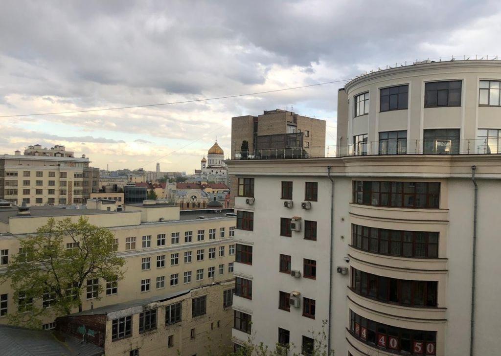 Аренда двухкомнатной квартиры Москва, метро Арбатская, Староконюшенный переулок 30, цена 75000 рублей, 2021 год объявление №849425 на megabaz.ru