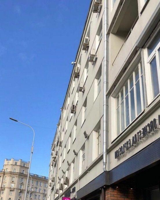 Аренда комнаты Москва, метро Арбатская, Никитский бульвар 25, цена 17000 рублей, 2021 год объявление №850434 на megabaz.ru