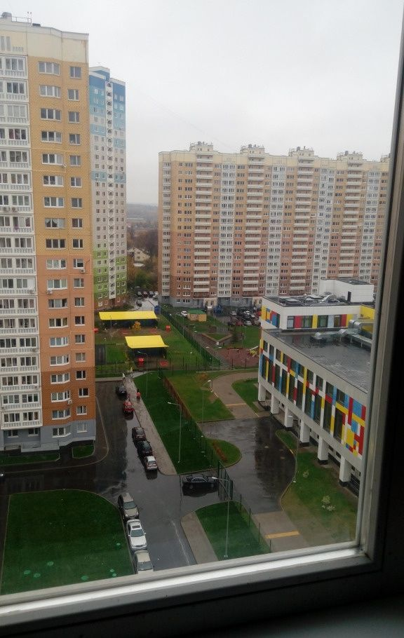 Аренда двухкомнатной квартиры Москва, метро Пятницкое шоссе, Синявинская улица 11к9, цена 25000 рублей, 2021 год объявление №850985 на megabaz.ru
