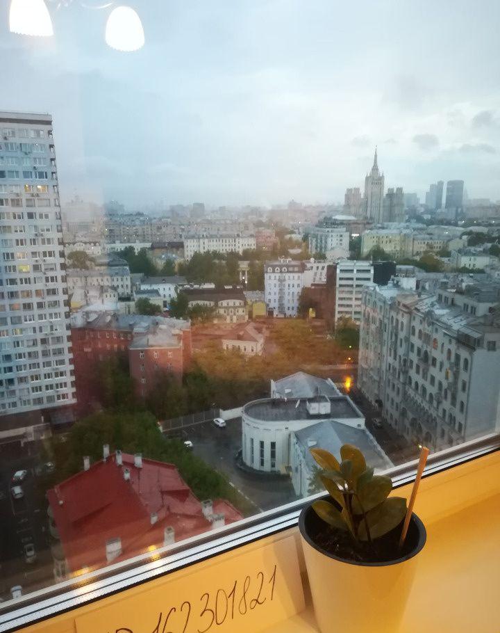 Аренда однокомнатной квартиры Москва, метро Арбатская, улица Новый Арбат 10, цена 3000 рублей, 2021 год объявление №851069 на megabaz.ru