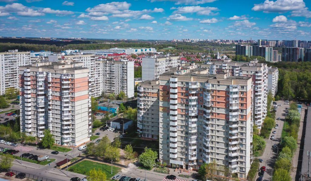 Аренда четырёхкомнатной квартиры Москва, метро Пятницкое шоссе, Пятницкое шоссе 36, цена 130000 рублей, 2021 год объявление №855800 на megabaz.ru