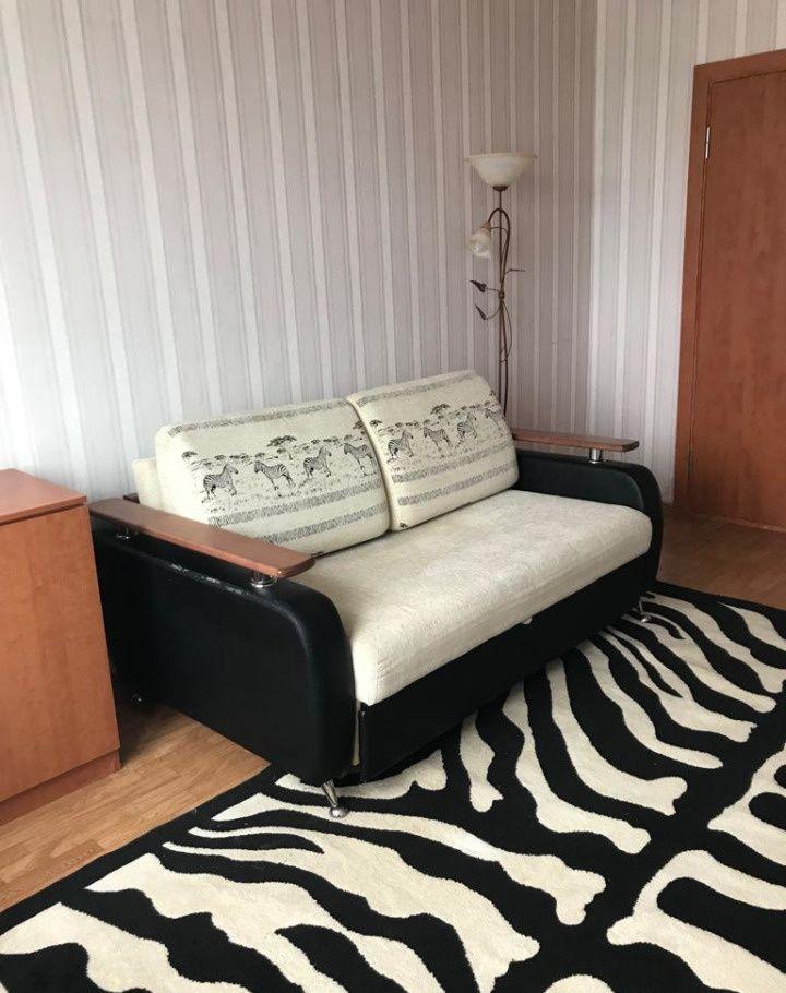 Аренда двухкомнатной квартиры Москва, метро Пятницкое шоссе, Синявинская улица 11к4, цена 27000 рублей, 2021 год объявление №861470 на megabaz.ru