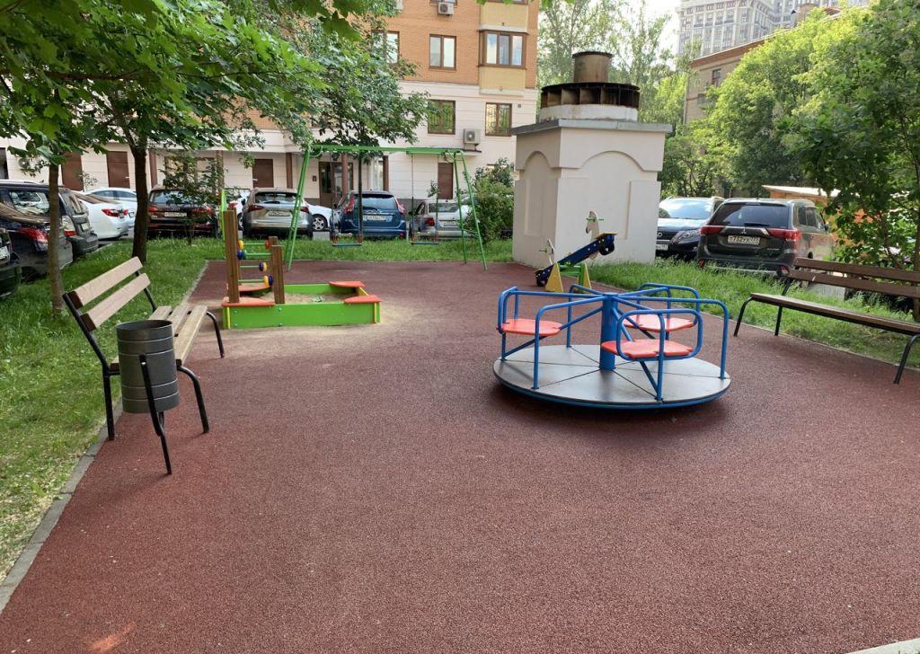 Купить четырёхкомнатную квартиру в Москве у метро Аэропорт - megabaz.ru