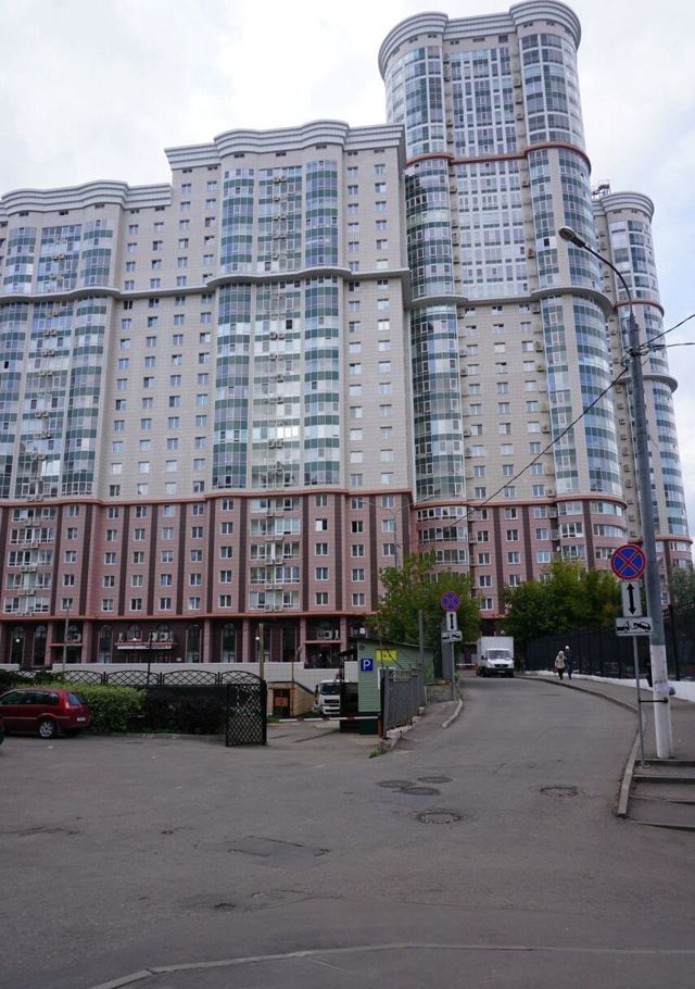 Купить трёхкомнатную квартиру в Москве у метро Юго-Западная - megabaz.ru