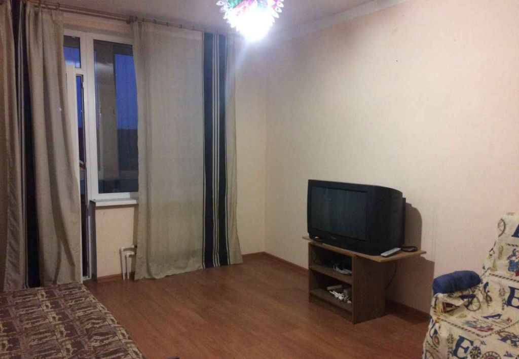 Аренда однокомнатной квартиры село Верзилово, Олимпийская улица, цена 11000 рублей, 2021 год объявление №875323 на megabaz.ru