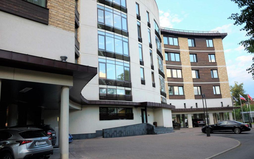 Продажа трёхкомнатной квартиры Москва, метро Театральная, цена 30900000 рублей, 2020 год объявление №266255 на megabaz.ru