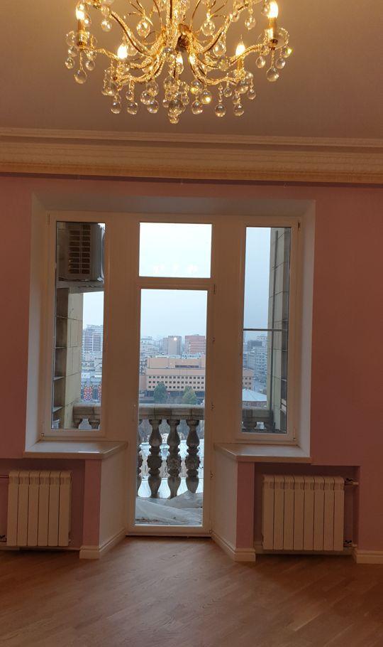 Аренда двухкомнатной квартиры Москва, метро Баррикадная, Кудринская площадь 1, цена 99000 рублей, 2021 год объявление №893182 на megabaz.ru