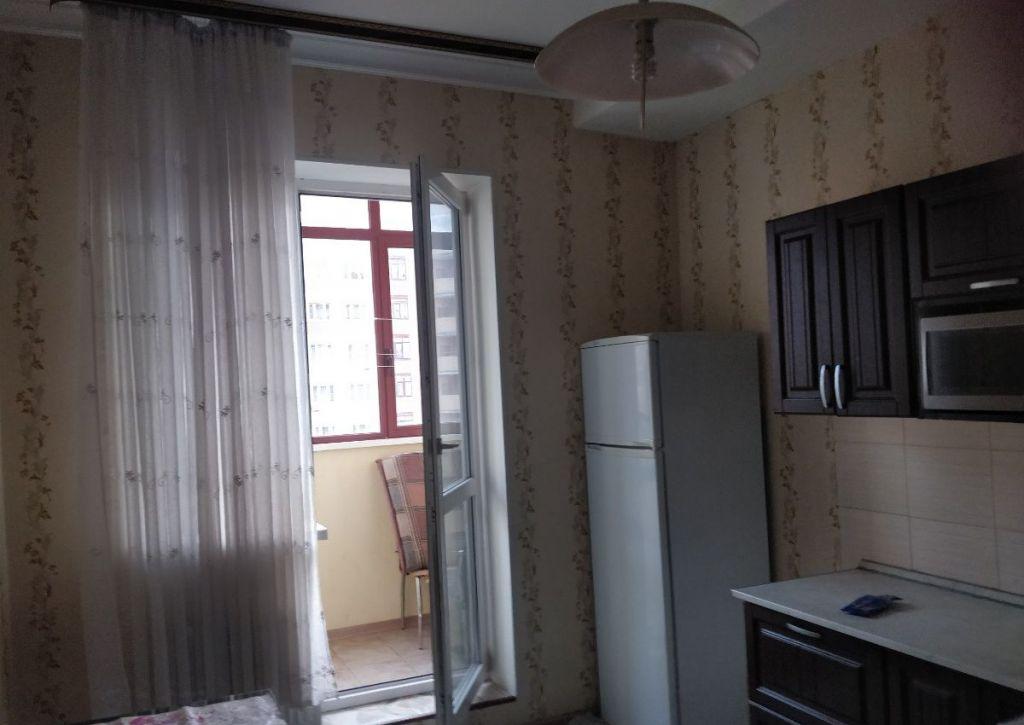 Аренда двухкомнатной квартиры Москва, метро Митино, Фабричная улица, цена 40000 рублей, 2021 год объявление №913729 на megabaz.ru