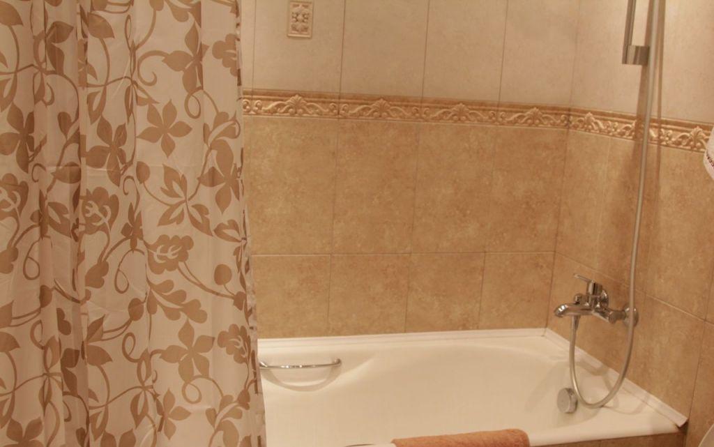 Аренда однокомнатной квартиры Москва, метро Выставочная, Стрельбищенский переулок 24, цена 60000 рублей, 2021 год объявление №917138 на megabaz.ru
