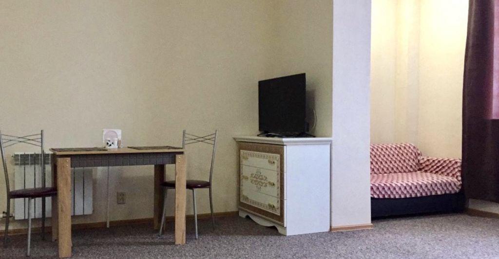 Аренда двухкомнатной квартиры село Беседы, Ленинская улица, цена 35000 рублей, 2020 год объявление №925235 на megabaz.ru
