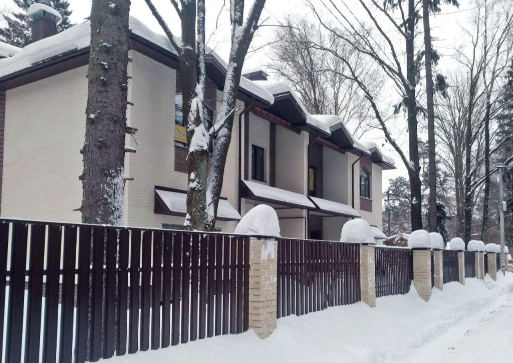 Продажа дома поселок городского типа Загорянский, улица Разина 4, цена 11500000 рублей, 2021 год объявление №306147 на megabaz.ru