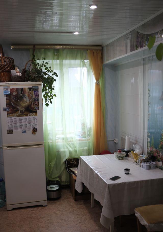 Купить трёхкомнатную квартиру в Поселке хуторки - megabaz.ru