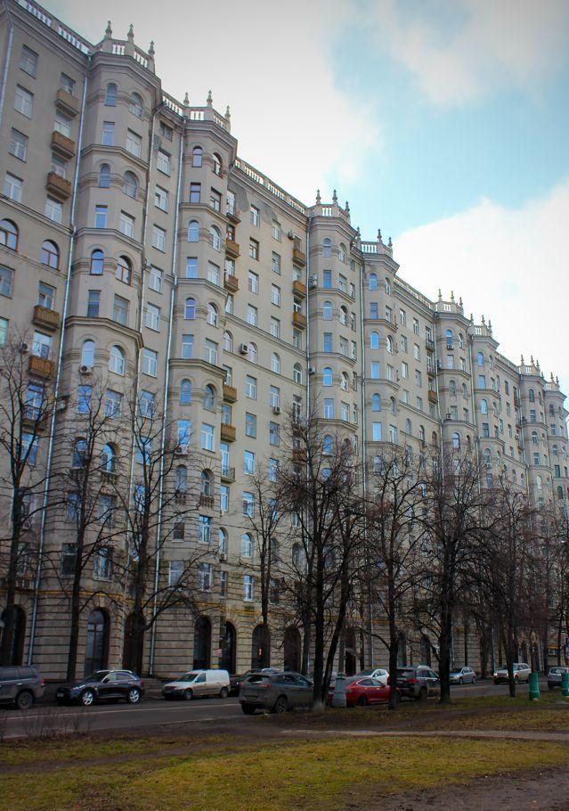 Аренда двухкомнатной квартиры Москва, метро Выставочная, Кутузовский проспект 26к3, цена 80000 рублей, 2021 год объявление №934620 на megabaz.ru