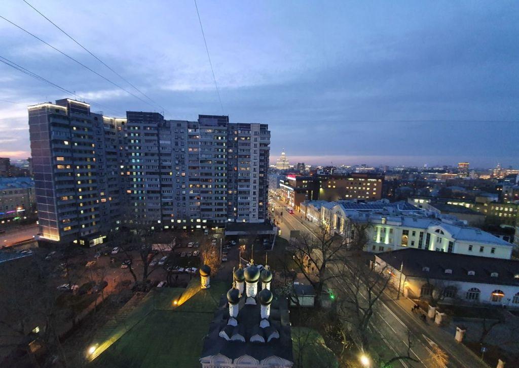 Аренда однокомнатной квартиры Москва, метро Таганская, Таганская улица 22, цена 48000 рублей, 2021 год объявление №950535 на megabaz.ru