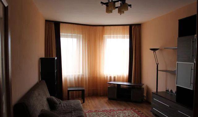 Аренда двухкомнатной квартиры поселок городского типа Монино, Новинское шоссе 2, цена 23000 рублей, 2020 год объявление №973024 на megabaz.ru