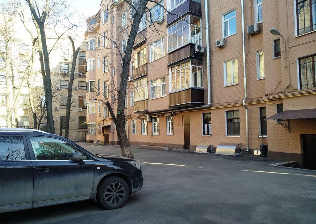 Продажа трёхкомнатной квартиры Москва, метро Чистые пруды, Большой Харитоньевский переулок 9, цена 34000000 рублей, 2020 год объявление №342418 на megabaz.ru