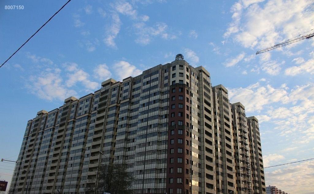 Аренда однокомнатной квартиры поселок городского типа Октябрьский, улица Ленина 25, цена 10000 рублей, 2021 год объявление №356184 на megabaz.ru